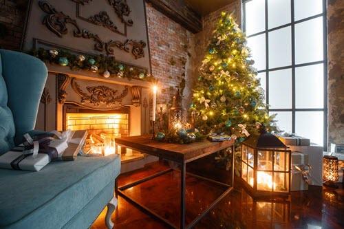 KVIS and Coe Christmas Tree
